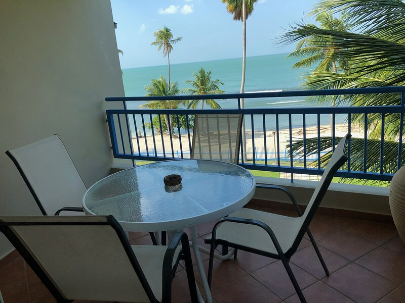 Hac del Club 1-412 3 bedroom, 3 bathroom fully air-conditioned penthouse, WiFi, holiday rental in Cabo Rojo