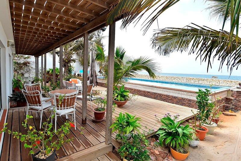 Villa Hibiscus, pied dans l'eau, aluguéis de temporada em Região de Dakar