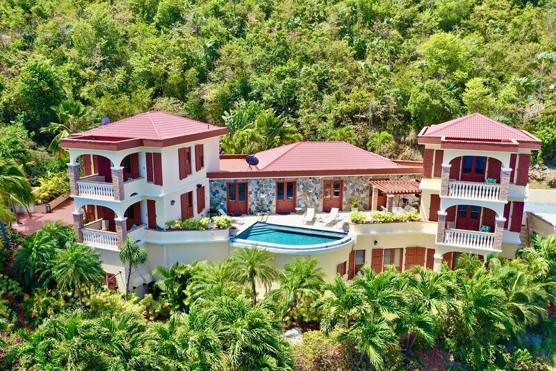 Villa Del Mar: Spectacular Ocean Views from Every Room, holiday rental in North Side