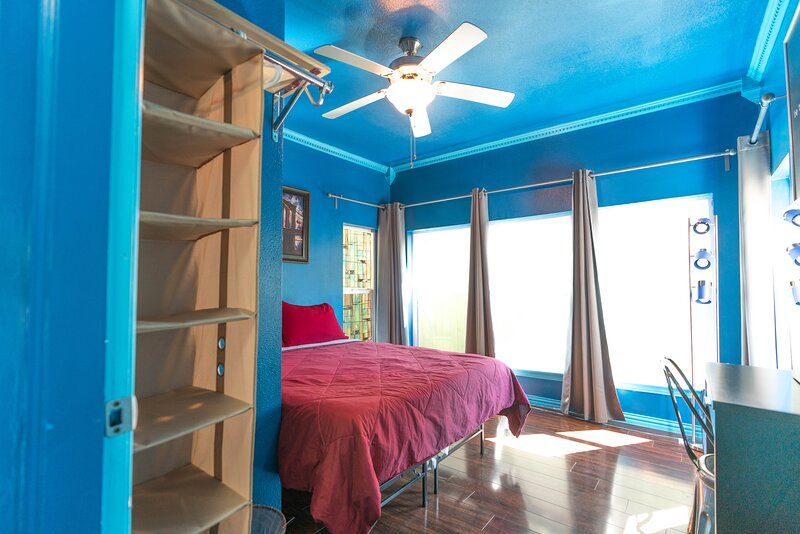 East Downtown Blue Dream. ✓EXCELLENCE+VALUE✓, holiday rental in Pasadena