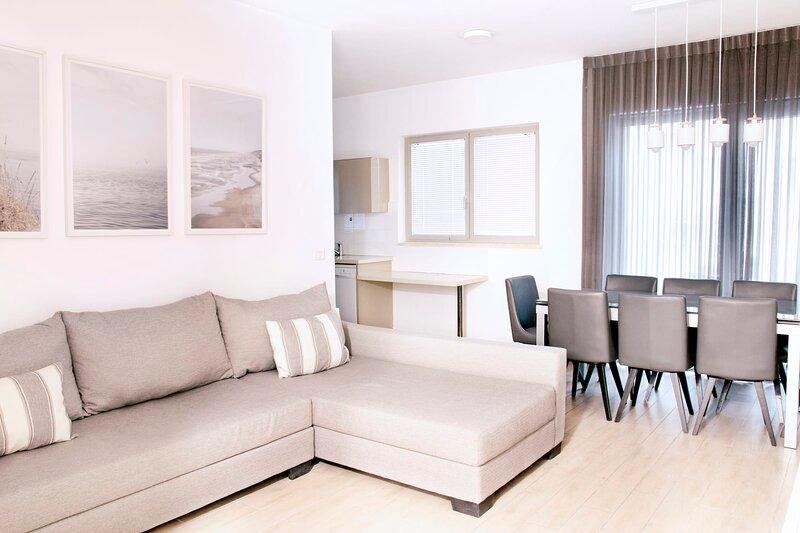 JAFFA- Beautiful 3 bedroom apartment best location, alquiler de vacaciones en Mevaseret Zion