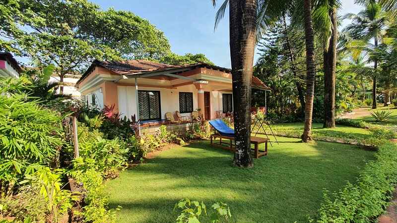 Mayfair villa at Luisa By the Sea, Goa, vacation rental in Cola