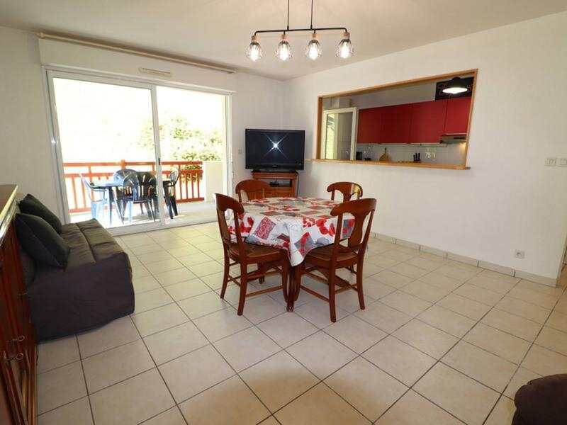 CAMBO LES BAINS, C212 : 2 Pièces 2 couchages, vacation rental in Itxassou