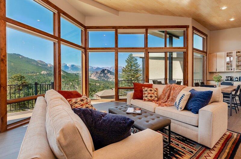 Azure Vista Vacation Home at Windcliff, aluguéis de temporada em Estes Park