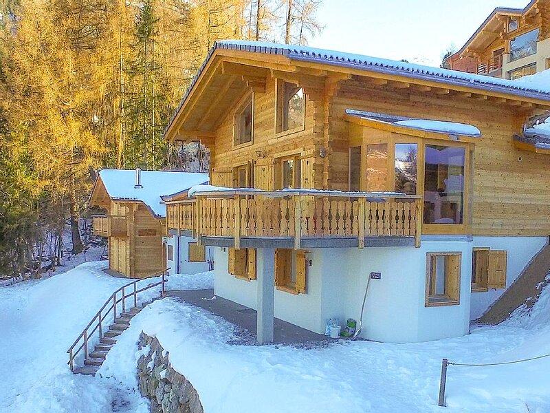Chalet Calon - Delightful 4-bedroom chalet, holiday rental in Riddes