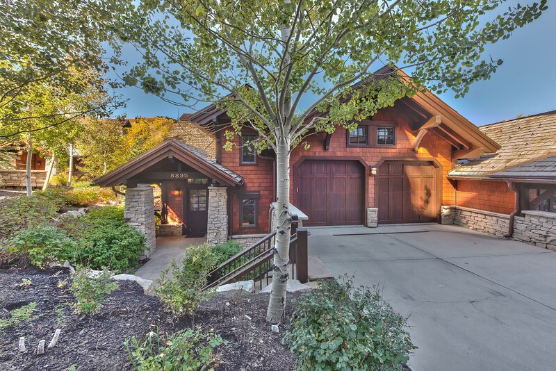 Deer Valley Larkspur Lodge - 4 Bedrooms All with Private Bath