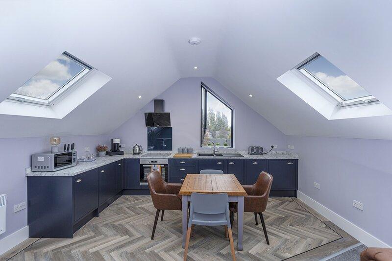 Luxury Loft Apartment by BOOTique, aluguéis de temporada em Morley