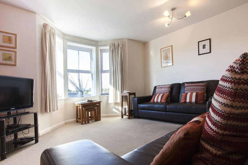 Merchants Gate - 2 BED APARTMENT WITH CITY VIEWS, holiday rental in Huntington