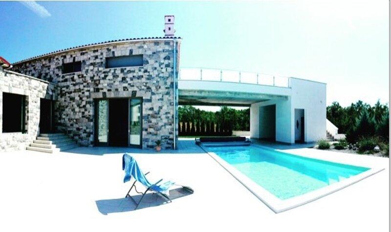 Villa Lavanda in Križ Sežana with private swimpool, casa vacanza a Sezana