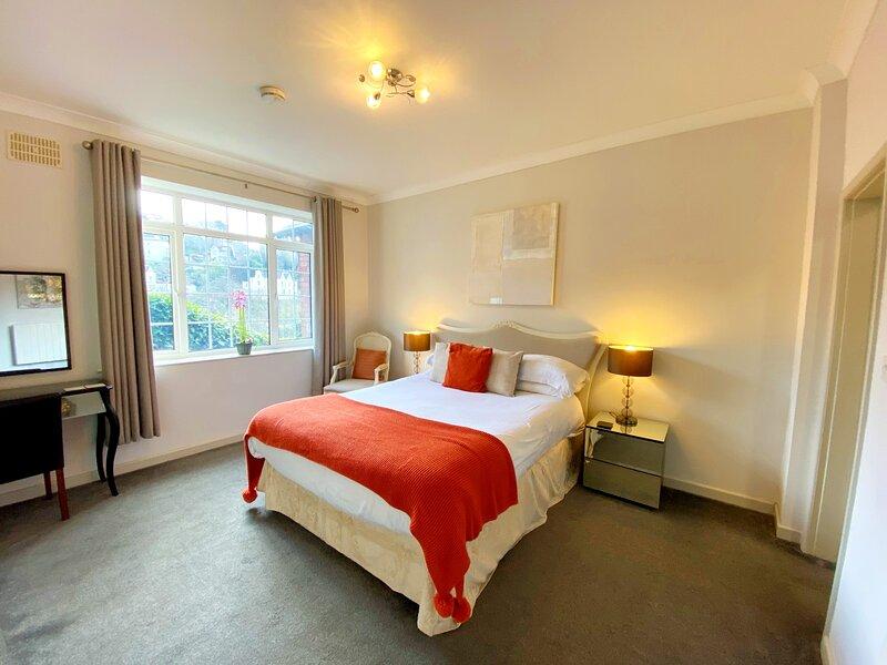 Two Bedroom, Ground Floor Apartment, vacation rental in Torquay