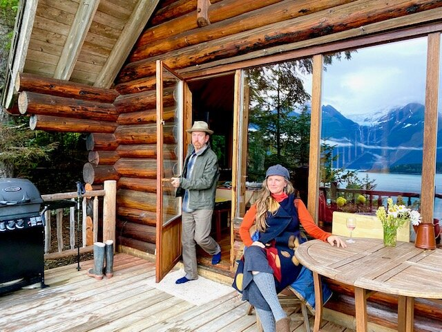 Paradise West Log Cabin with beach access, sauna, holiday rental in Haines