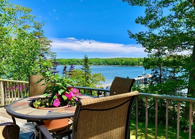 Over 300 feet of water front at this 3 bedroom, 2 bathroom house., holiday rental in Cushing