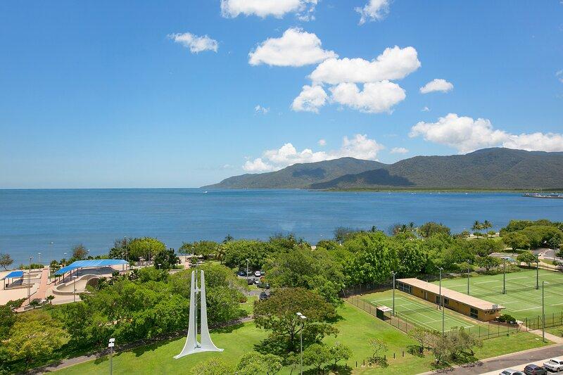 Cairns Luxury Waterfront Apartment, aluguéis de temporada em Cairns