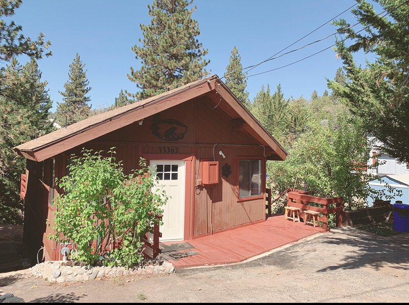 Cabin by the Lake, holiday rental in Calimesa