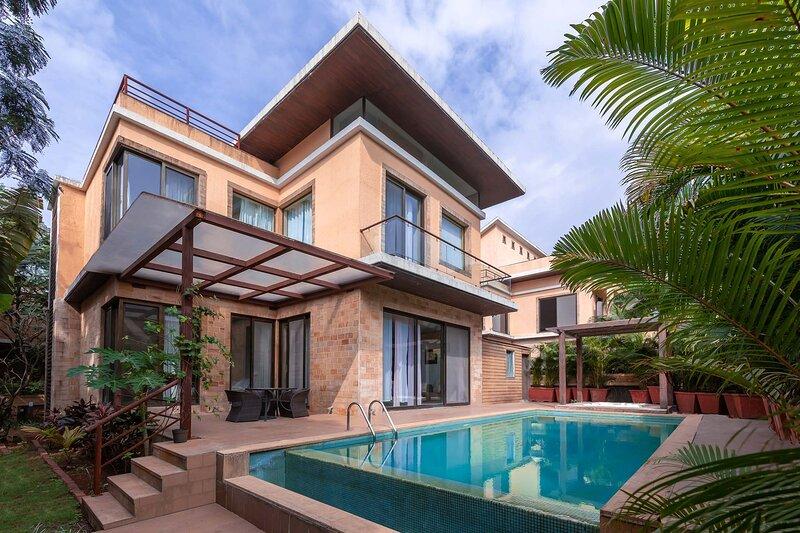Villa Pratishtha by Vistarooms, vacation rental in Wadawali