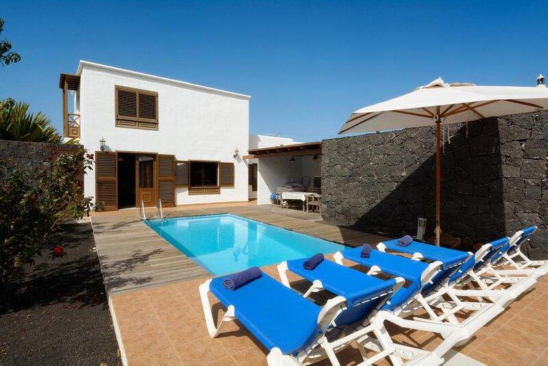 Villa Bene: Heated Private Pool, WiFi, casa vacanza a Femes