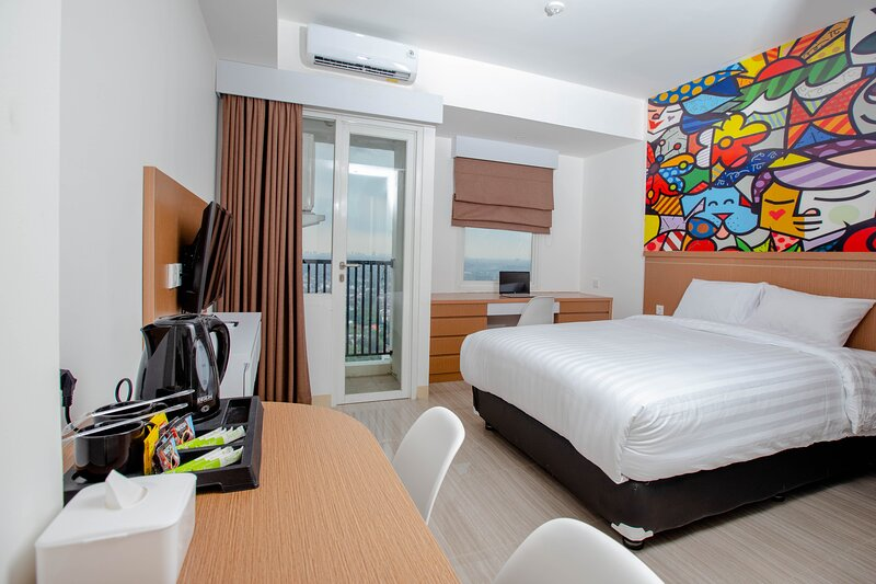 Urban Express HomTel Serpong, holiday rental in Tangerang