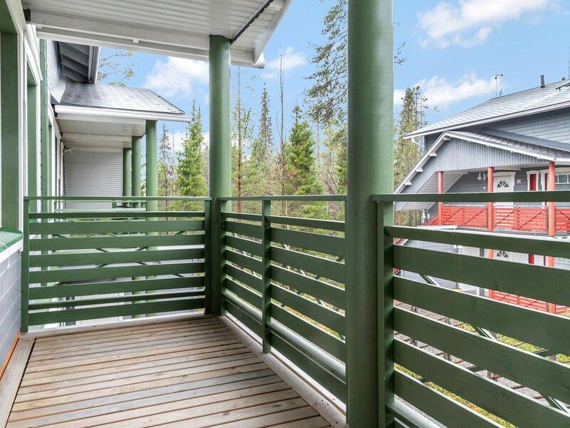 Ylläs-eeli green house c2, holiday rental in Yllasjarvi