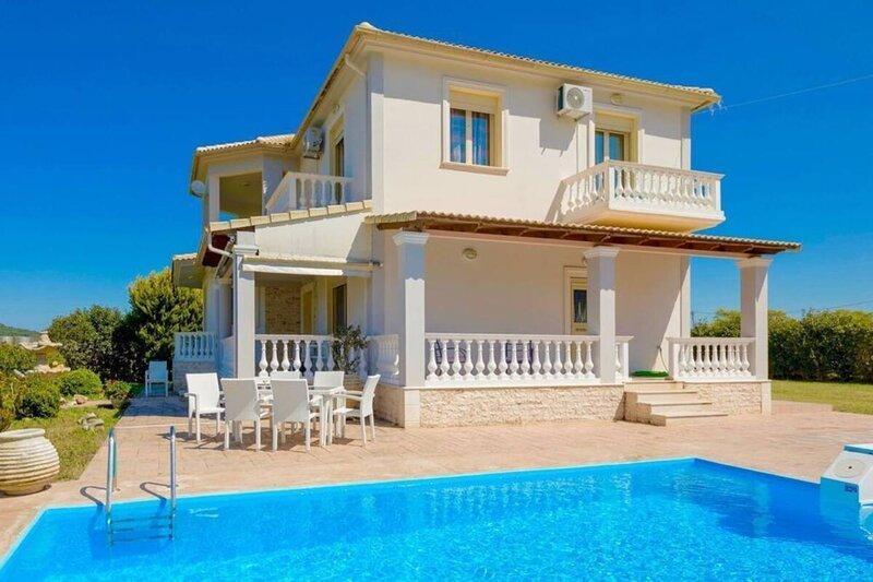 Astarte Villas - Perseida Luxurious Private Villa withPool, holiday rental in Loucha
