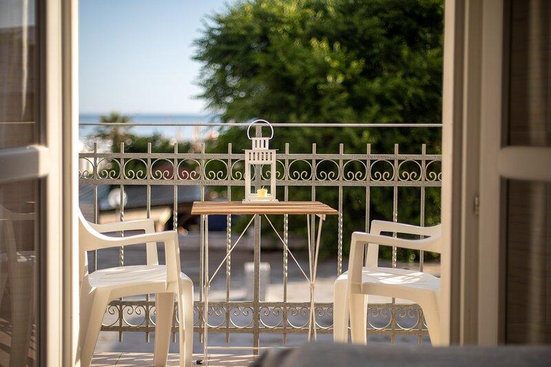 Acquamarina Appartamenti - Bilocale vista mare al piano superiore, location de vacances à Gabicce Mare