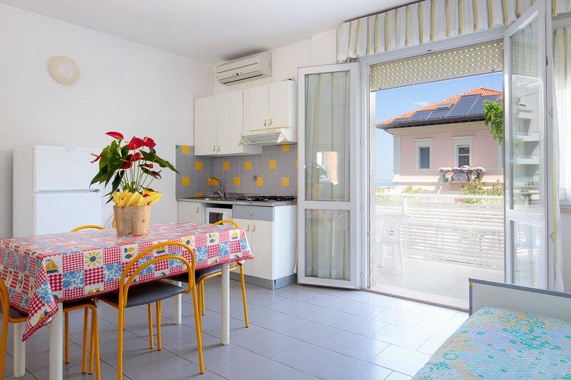 Acquamarina Appartamenti - Bilocale con terrazza al piano superiore, location de vacances à Gabicce Mare