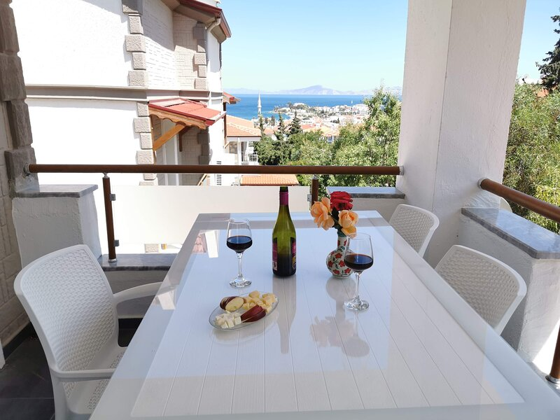 New 2+1 apartment with sea view in Datça Center, holiday rental in Palamutbuku