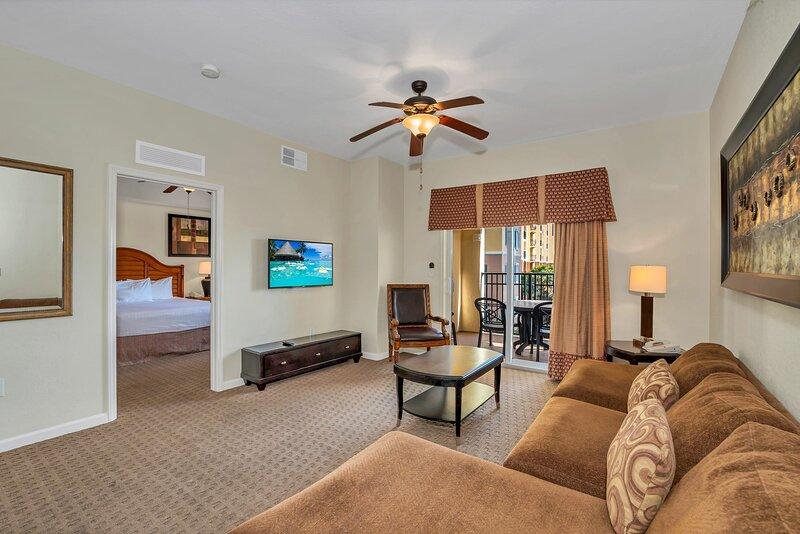 Stunning 2BR Condo - Family Resort - Pool And Hot Tub!, alquiler de vacaciones en Celebration