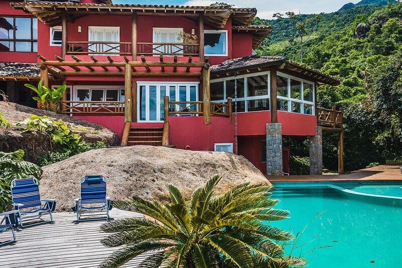 Mansão em Ilhabela – 8 suítes em condomínio de alto padrão, aluguéis de temporada em São Sebastião