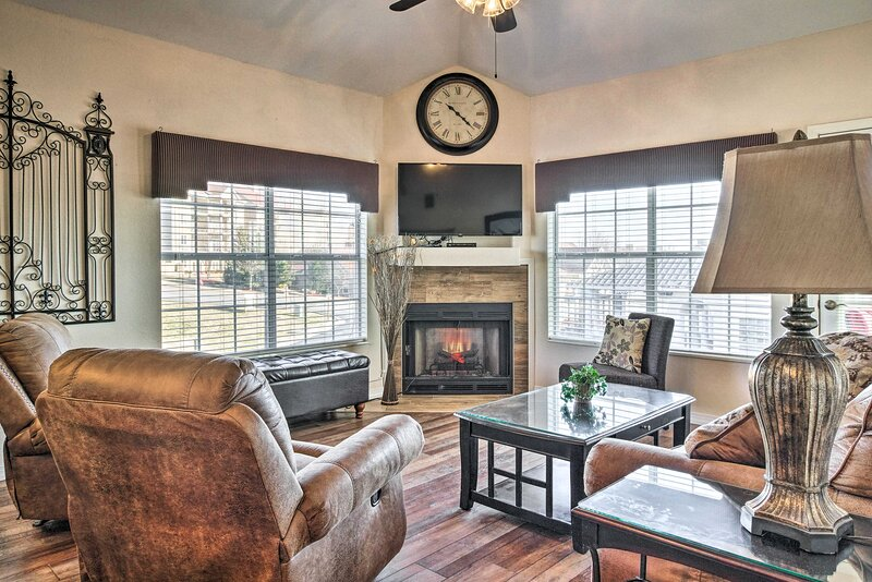 Resort Meadowbrook Penthouse w/ Bunk Beds + Pool!, vacation rental in Point Lookout