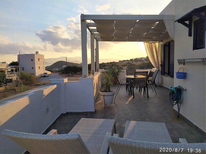 Naxos Seaside Retreat - Akti Sunny Escape, holiday rental in Agia Anna