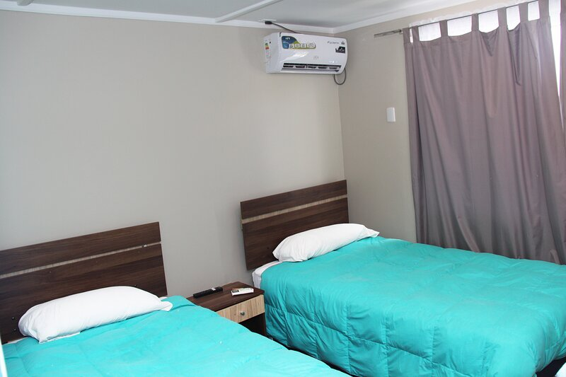 Habitación Doble baño compartido Hostel Vista al Cerro, alquiler vacacional en Machalí