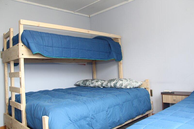 Hostel Vista al Cerro  ESPACIO COMPLETO 12 PERSONAS, alquiler vacacional en Rancagua