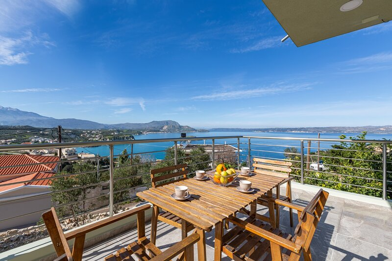 New brand Apartment★Walking to Tavernas & Grocery, location de vacances à Plaka