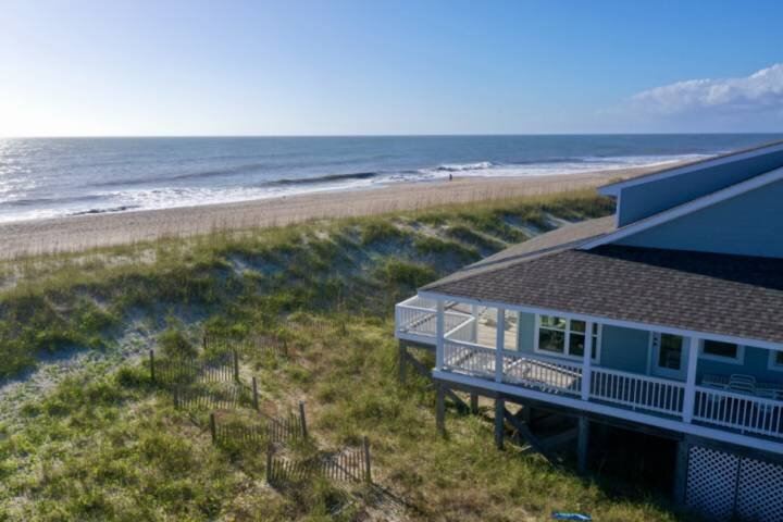 Oceanfront, Amazing Sunsets, BHI/Shoals Clubs, Private Beach Access, 360 Wrap Ar, location de vacances à Bald Head Island