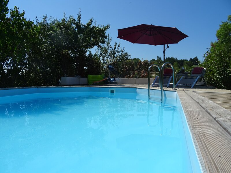Apartment with swimming-pool, alquiler vacacional en Nuzejouls