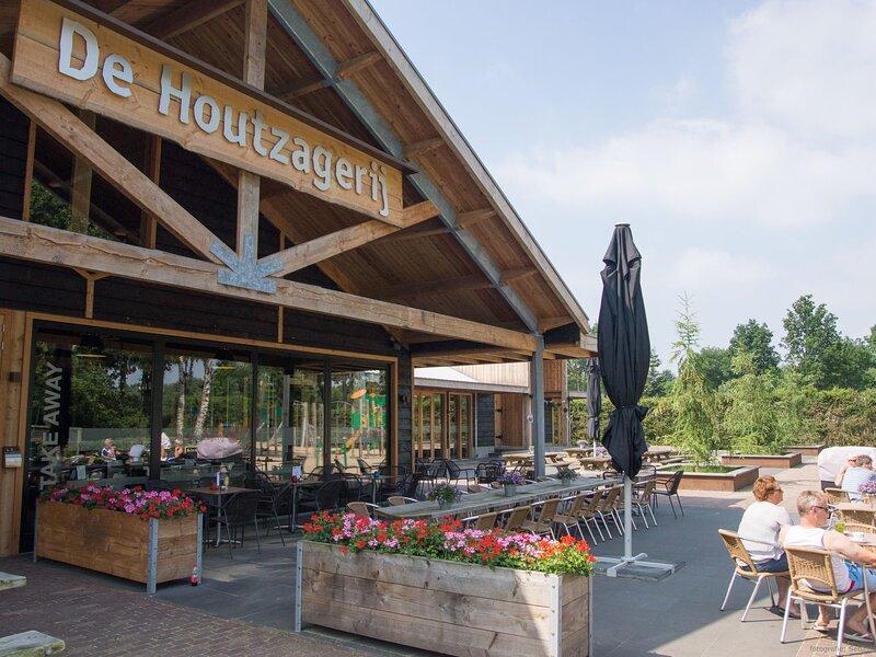 EuroParcs Resort De Wije Werelt, holiday rental in Arnhem