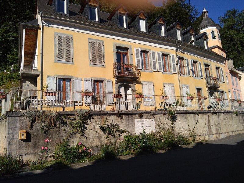 Amazing studio with terrace & Wifi, holiday rental in Gavarnie