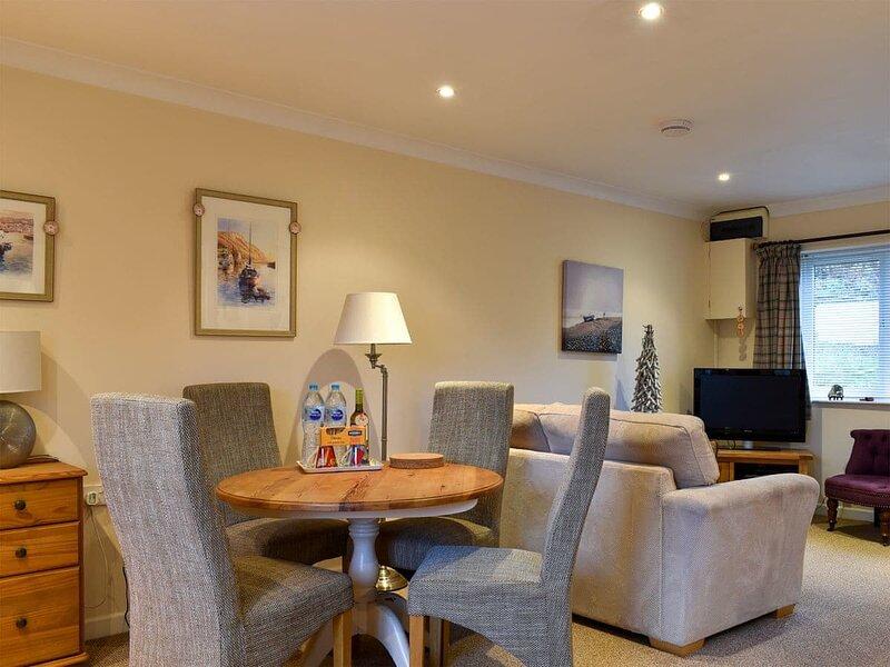 Fernhill Retreat, holiday rental in Morcombelake