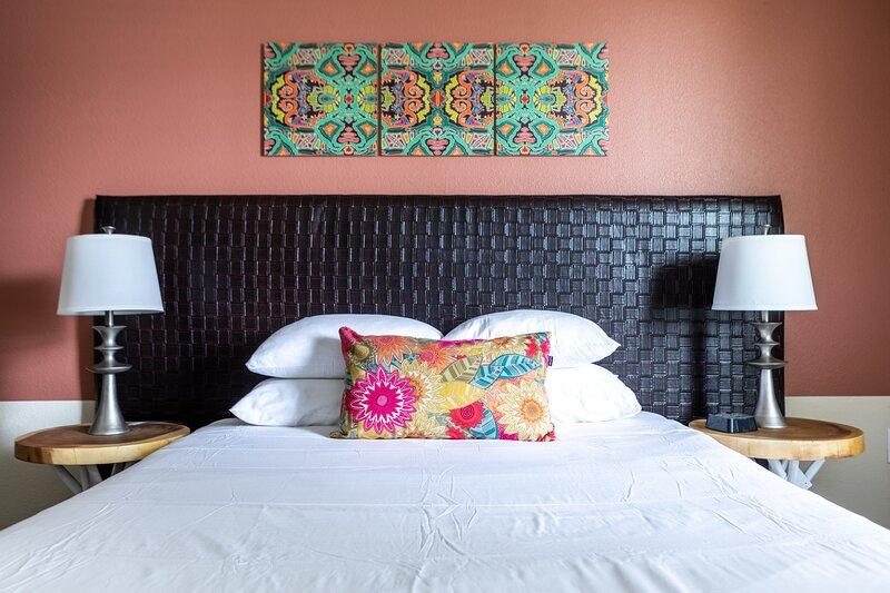 WanderJaunt | Alamo | 1BR | Alamo Heights, holiday rental in Castle Hills