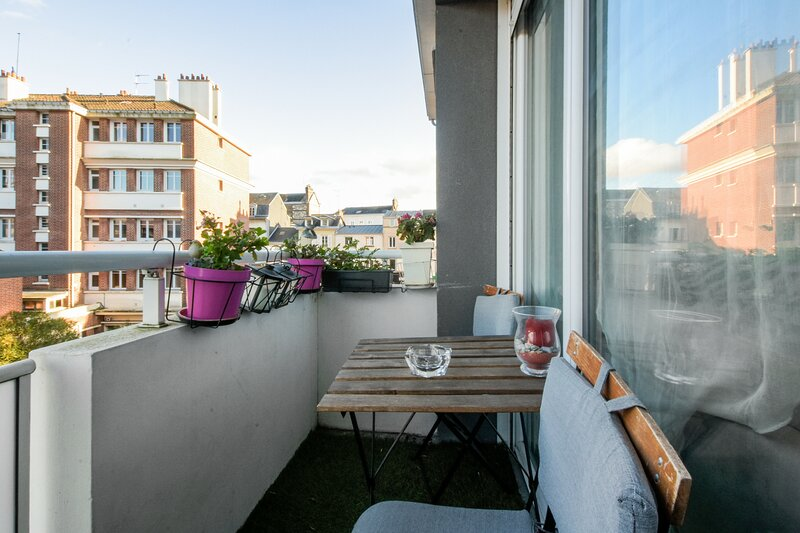 Amazing apartment with balcony, holiday rental in Le Grand-Quevilly