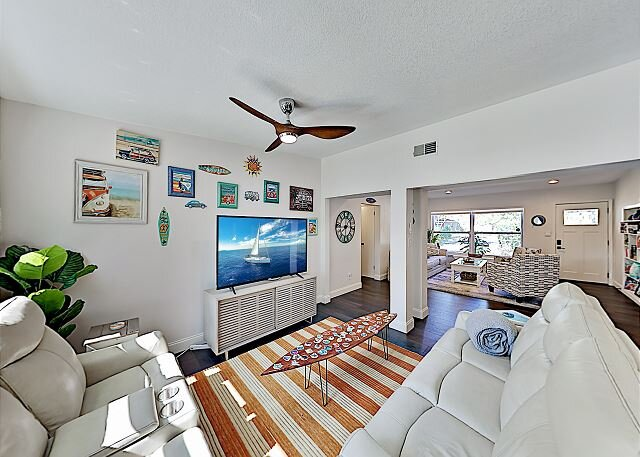 Boho-Chic St. Pete Retreat | All-New Interior & Game Room | Prime Locale, alquiler vacacional en Gulfport