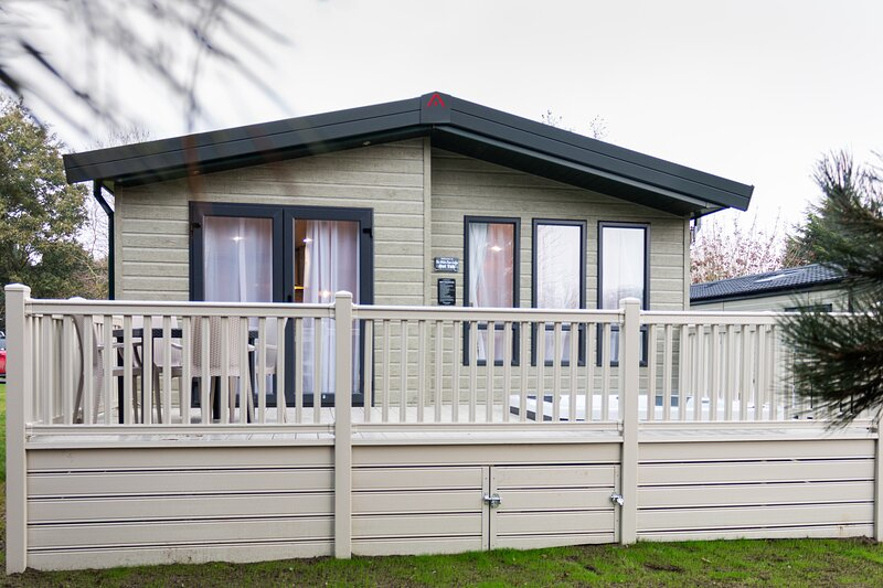 The White Rose Lodge with Hot Tub, holiday rental in Millington