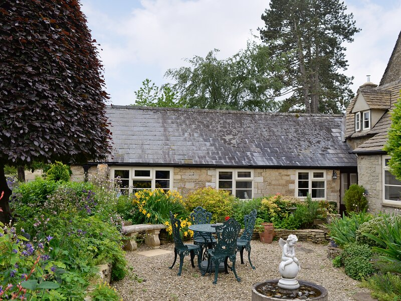 Bakery Cottage, vacation rental in Ampney Crucis