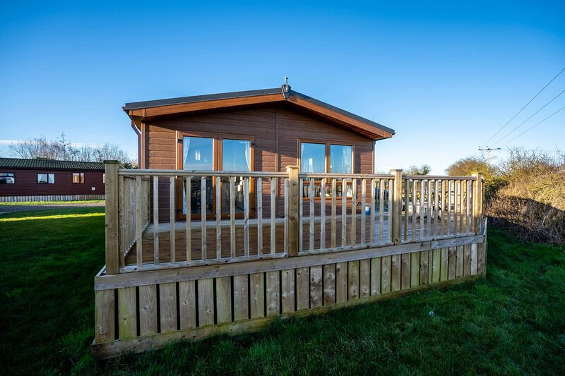 Kathryn Lodge with Hot Tub, holiday rental in Old Malton