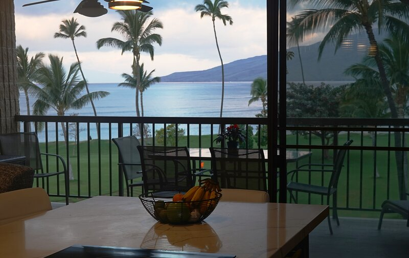 Maui Sunset B421  Amazing View and Amenities 2021 RENOVATION, holiday rental in Kihei