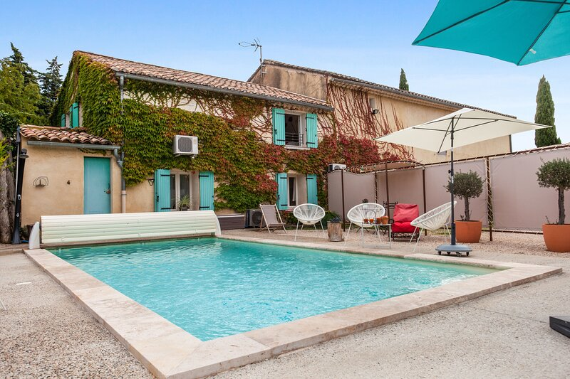 Amazing villa with swimming-pool, holiday rental in Beaumes-de-Venise