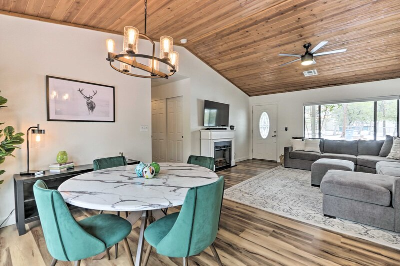 NEW! Pine Mtn Home ~ 8 Mi to State Park + Trails!, holiday rental in Strawberry