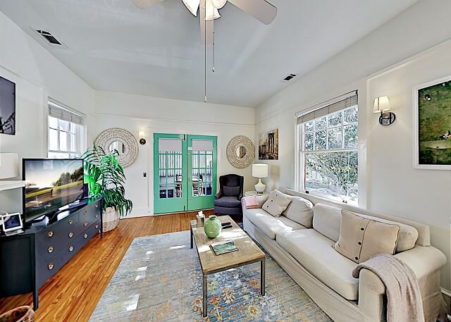 Drayton Place 3 | Walkable Starland District Retreat | Private Screened Porch, holiday rental in Georgetown