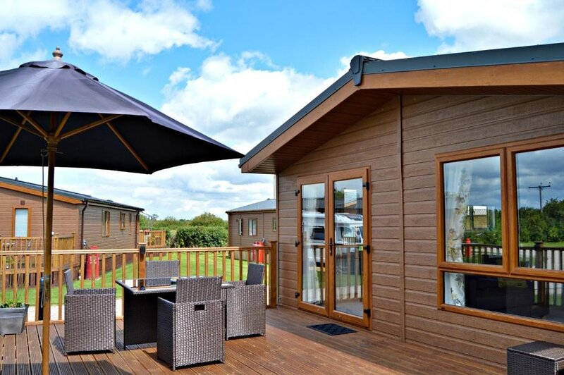 Bella Rose Lodge with Hot Tub, holiday rental in Old Malton