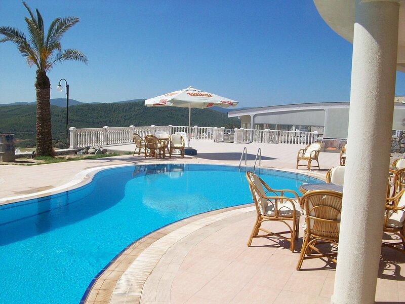 2 Bed, 2 Bath Apartment On Private Site Within 300 Metres Of The Beach, alquiler de vacaciones en Bogazici